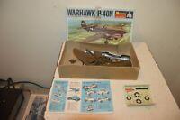 MAQUETTE MONOGRAM  AVION CURTISS P-40N WARHAWK  1/72 COMPLET  VINTAGE
