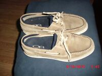 OCEAN PACIFIC BROWN BOAT  SHOES 2 EYELET LACED SLIP ON  MENS SIZE 8.5