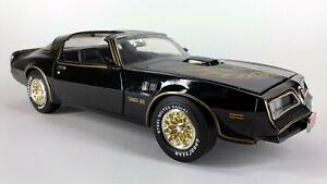 1:18 Ertl American Muscle 1977 Firebird Trans AM Smokey & the Bandit Diecast Car