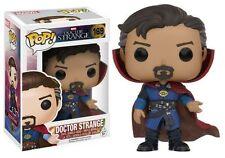 Figurines et statues jouets de héros de BD en emballage d'origine ouvert cinéma