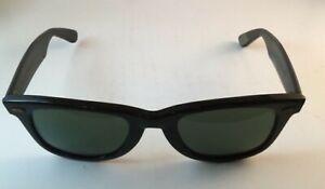 Vintage B&L Ray-Ban Black Framed Green Lenses 5022 Sunglasses