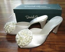 Vtg 1950s Daniel Green White Satin Slipper Shoe 6 Pin Up Bridal Rosette