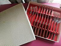Vintage Boxed Stainless Steel Set Of 6 Knives & Forks