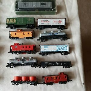 Lot Of 9 N Scale Freight Cars