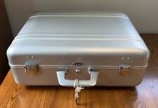 "Vintage Zero Centurion Elite Aluminum Suitcase 20"" x 16"" x 6"" With Key"