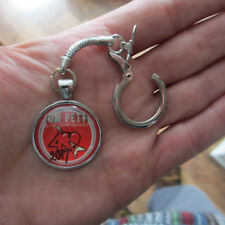 TOM PETTY & THE HEARTBREAKERS '40' Retro Cabochon Keychain or Key Chain Ring