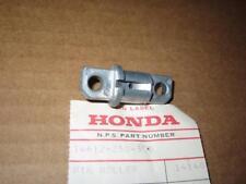 *HONDA NOS - CAM CHAIN GUIDE ROLLER PIN - CA/CB/CL7-77 - 14612-250-300