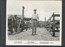 ROCK HUDSON CHECKS HIS HORSES - 1961 THE LAST SUNSET - WESTERN