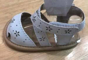 Baby Deer White Criss Cross Strap Sandals Flower Perforations  Size 0 1 2 3