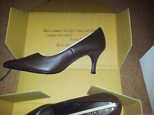 ladies Viva La Diva Brown Leather court shoe size 7EEE Wider Fit
