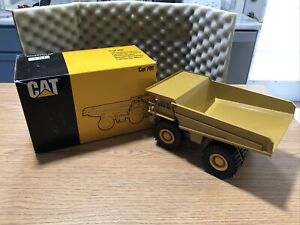 Vintage Caterpillar 789 Off-Highway Truck, Conrad #2725, 1/50 scale, NIB