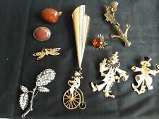 bundle 108 Vintage/costume jewellery- brooches
