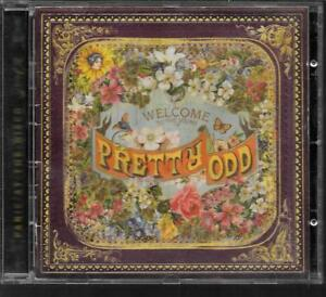 CD ALBUM 15 TITRES--PANIC AT THE DISCO--PRETTY ODD--2008