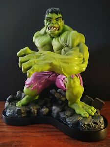 THE INCREDIBLE HULK • BOWENS DESIGNS PAINTED STATUE GREEN VARIANT #2318 OF 3000