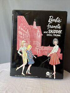 """1958/1965 BARBIE-FRANCIE+SKIPPER~RARE """"EUROPEAN"""" TUDOR MANSION DOLL DOUBLE TRUNK"""