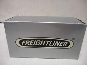 Freightliner Medium Duty Truck 1/43