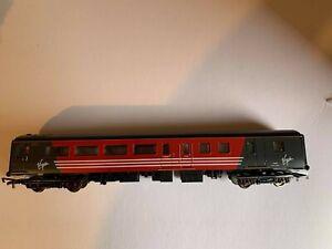 Hornby - OO - Gauge - Virgin - Coach - Used