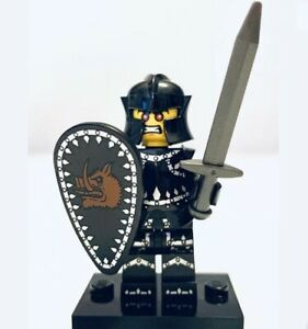 "LEGO Collectible Minifigure #8831 Series 7 ""EVIL KNIGHT"" (Complete)"