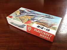 Rare - Plastikovy Model/Maquette - MIG-19 - 1/72 - Made in Czechoslovakia 1970's