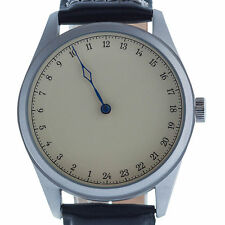 Armbanduhren mit Mineralglas-Funktion und mattem Finish