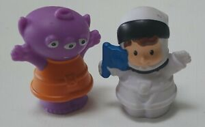 Fisher Price Little People Astronaut and Alien