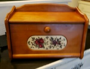 VINTAGE WOOD bread box with insert from Pomerantz apples and grapes