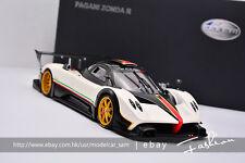 AUTOart 1:18 Pagani Zonda R ( White Color ) With Italian Stripes