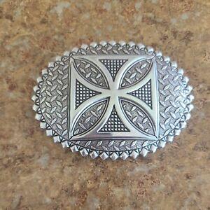 Crumrine Belt Buckle Silver Tone Oval shaped medium size cross pattern