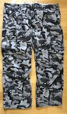 Levi's Strauss & Co. Camoflage Cargo Pants Size 44/30