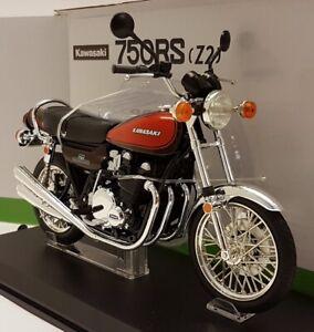 Aoshima 1/12 - Kawasaki 750-RS Z2 Marron Métallisé Rouge Modèle Moto
