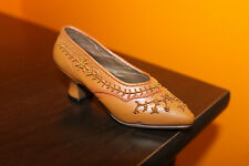 """Raine Just The Right Shoe """"Courtly Riches"""" miniature item # 25040 box Damaged"""