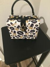 New listing Used White/Black Gold w/lipstick prints box purse