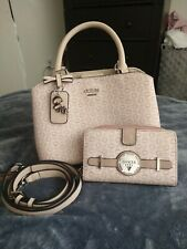 Guess Purse NWOT And Matching Wallet ** SUPER CUTE**