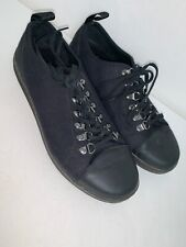 Dr Martens Air Wair Size 9M Black Lace Up Airwalk Style Shoe