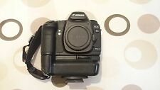 Canon EOS 5D Mark II 22.3 MP SLR-Digitalkamera mit Batteriegriff Zubehörpaket