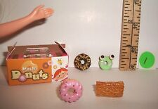 FASHION DOLL MINIATURE RE-MENT 1/6 RETIRED FANCY DONUTS & BOX FOOD ACCESSORY #1
