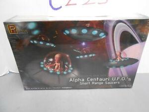Pegasus 9102  1/32 Alpha Centauri UFO (2) Short Range Saucers Model Kit