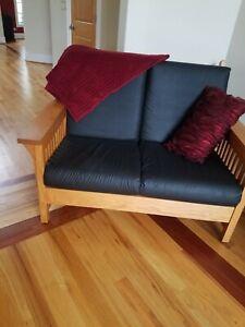 Amish made Mission Style Loveseat  Upholstered Black Cushions Oak Wood Slat Back