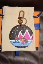 LOUIS VUITTON CHRISTMAS 18 BAG CHARM KEY CHAIN BEARS SKIING LIMITED EDITION
