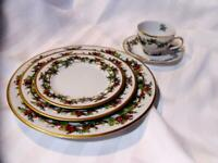 ROYAL GALLERY Christmas THE HOLLY and THE IVY 5 Pc PLACE SETTING Holiday EXCELLE