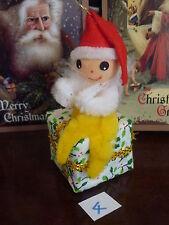 VINTAGE CHRISTMAS TREE DECORATION CINIGLIA elfo seduto su tessuto regalo NO.4