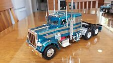 BUILT PETERBILT TRUCK 1/25TH SPECTACULAR BLUE SILVER