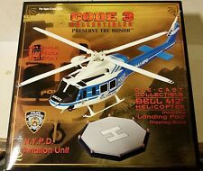 Code 3 N.Y.P.D. Bell 412 Hilicopter with Landing Pad 12603 vt