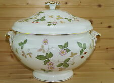 "Wedgwood Wild Strawberry Soup Tureen with Lid, 12"" x 6 1/4""-NWT"