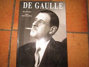 Livre sur '' Charles De GAULLE ''         a