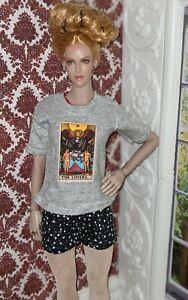 Fits phicen 1/6 NOT old Sindy. 'Lovers Tarot card' t-shirt Handmade in UK. 🇬🇧