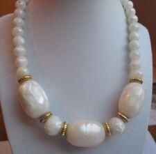 Unique Collier de perles blanc et or en belle résine superbe bijou vintage P
