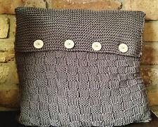 Strickanleitung für ein kuschliges Sofa-Kissen mit Knöpfen im Landhauslook -Nr.2