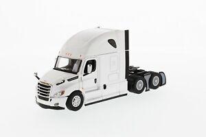 1:50 scale Freightliner New Cascadia-Open Doors/Hoods- white - DM71027