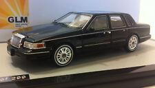 wonderful modelcar LINCOLN Town Car  1997 - black - scale 1/43 - lim.edition 299